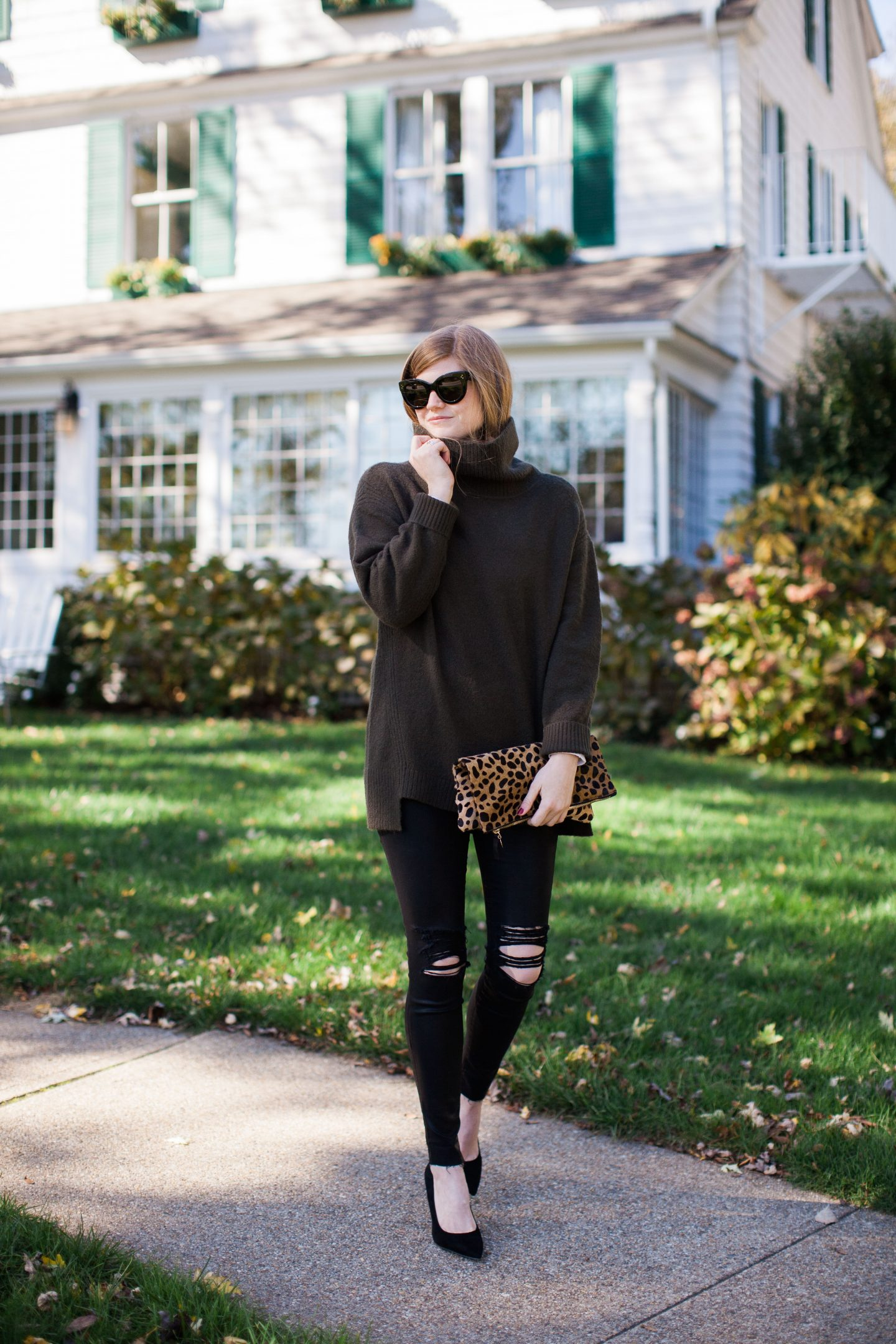 Lifestyle blogger Mollie Sheperdson of A Stylish Side Project shares a Thanksgiving outfit idea